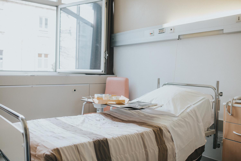 vous serez accueilli une nuit ou plusieurs dans un service de soins de ltablissement nos services disposent de chambres individuelles et de chambres
